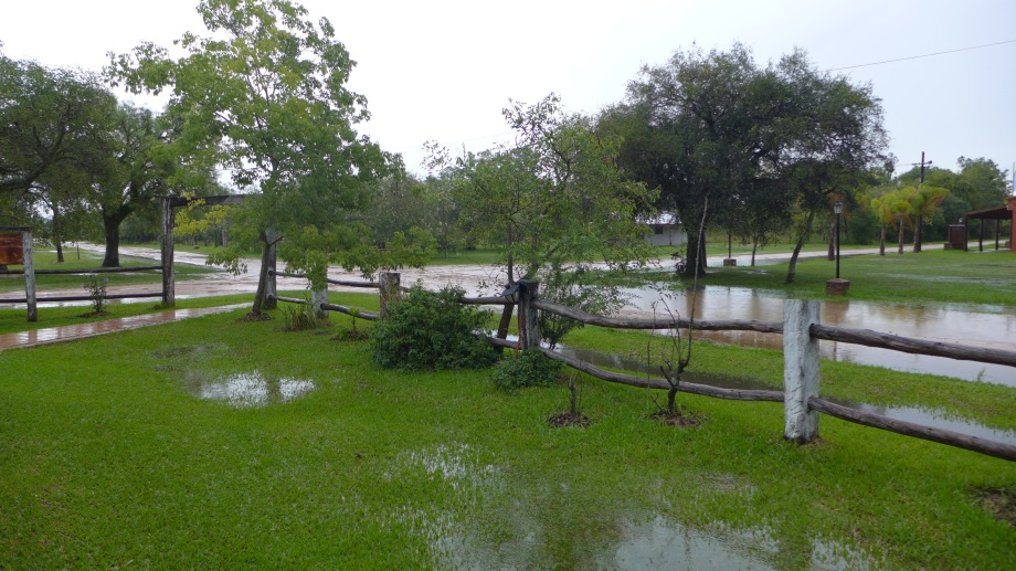 Деревенские дороги в дождь