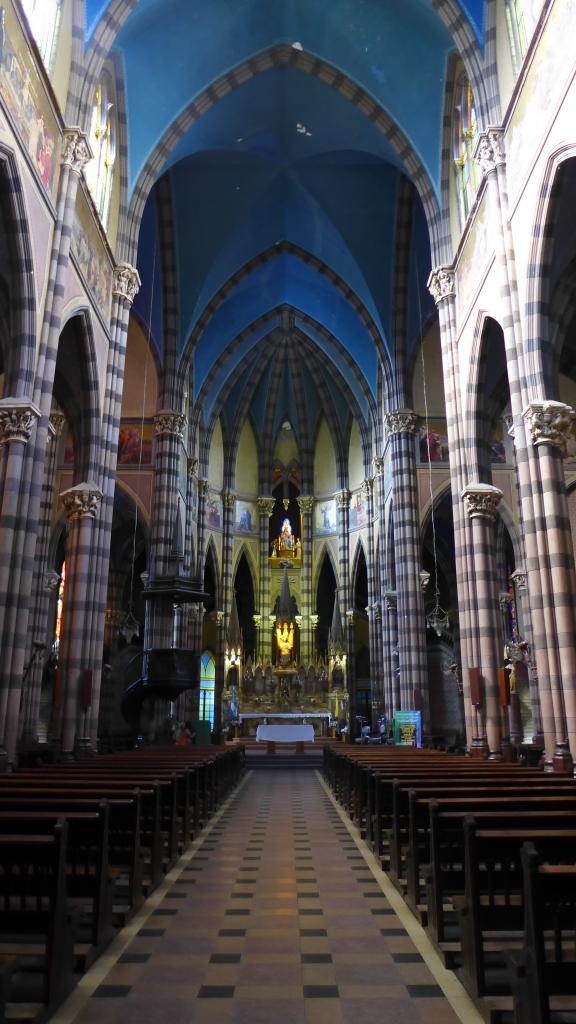 внутри Iglesia del Sagrado Corazón